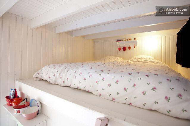 Sonsbeek Bed & Breakfast in hartje Arnhem is uw logeeradres voor rust en verwennerij. Suite vanaf € 65,- B & B BnB B&B - home