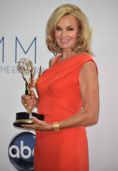 Jessica Lange with her Emmy for American Horror Story, love love love her!