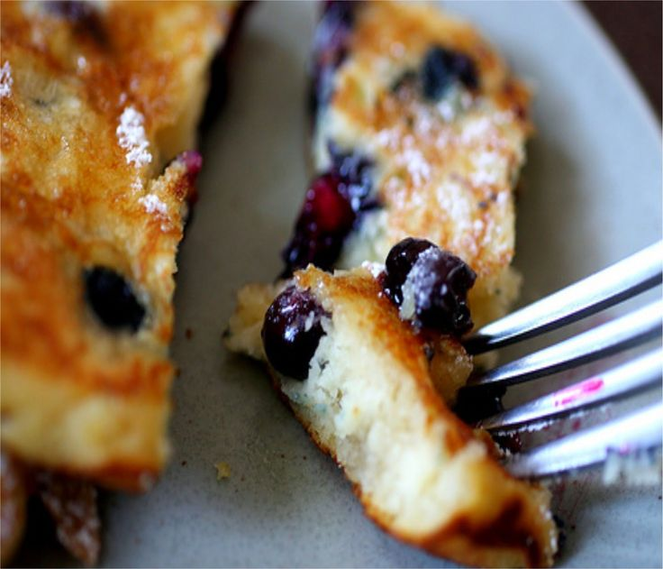 Banana Pancakes With Bluberries