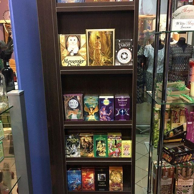 """У кого новая и современная витрина для карт таро, тот мы   https://www.skuld.com.ua/mantika/taro/     Магазин практической магии """"Ведьмин Котел, магический магазин, магазин магии в Киеве, эзотерический магазин Украина, магазин для ведьм, ведьмин магазин, магазин магических товаров, witch shop, witches shop, witch cauldron shop, magic shop, esoteric shop"""