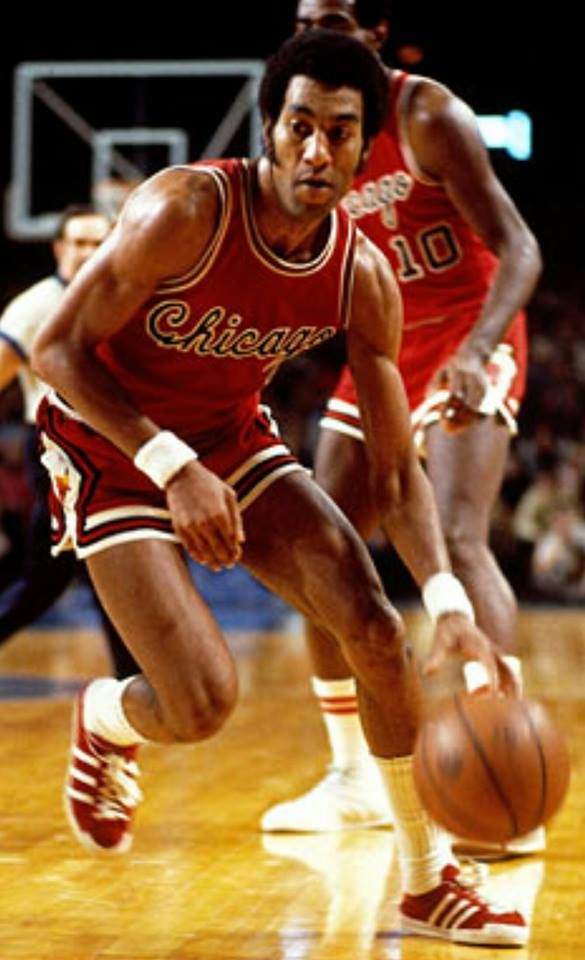 4-1-2017 - The late Norm Van Lier would've turned 70 today. 'Stormin' Norman' was the Chicago Bulls PG from 1971 to 1978. Van Lier was a 3 time NBA All Star and led the League in assists in 1971. After his playing career he was a regular TV analyst on Bulls broadcasts. He passed away suddenly in 2009.