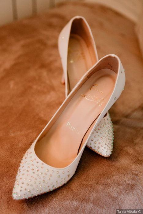 qué zapatos de novia calzar para una boda en primavera | zapatos de