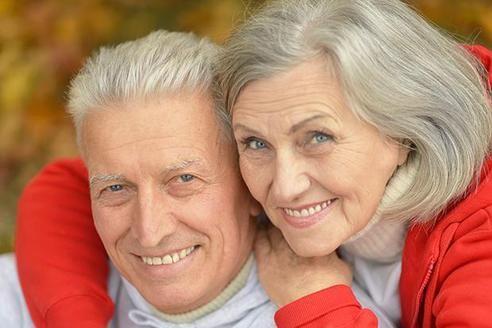 Одной из наиболее распространенных проблем со здоровьем, с которыми сталкиваются люди в настоящее время, является боль в нижней части спины. Наше тело состоит из нервов, мышц, связок и кровеносных сосудов. Они связаны с нашим позвоночником, который состоит из 33 позвонков (12 грудных, 7 шейных, 5 к