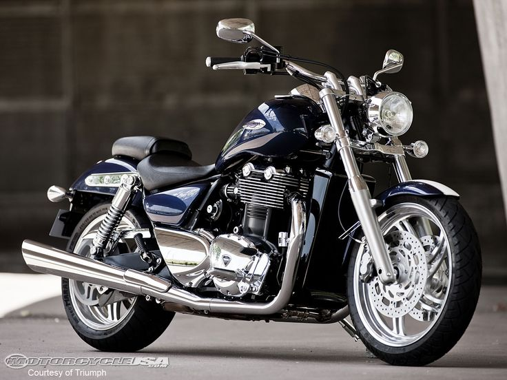 2010 Triumph Thunderbird  -- Oh Yes! I will have this bike in.. B please!!