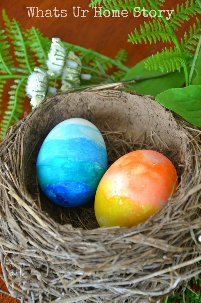 Make gorgeous watercolor Easter eggs in a snap @savedbyloves
