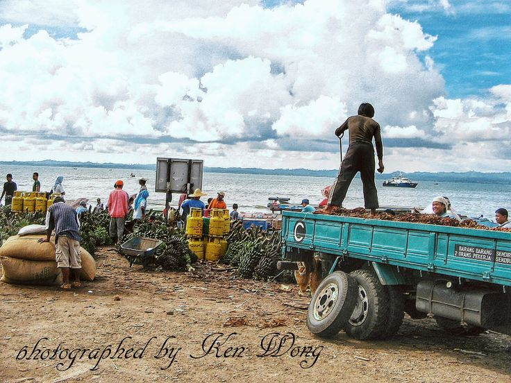 """""""How busy a day to them! These sellers were busy trading their fruit stuffs near to the market harbour here.""""- Tawau, Sabah. #harbour #market #tawau #sabah #borneo"""