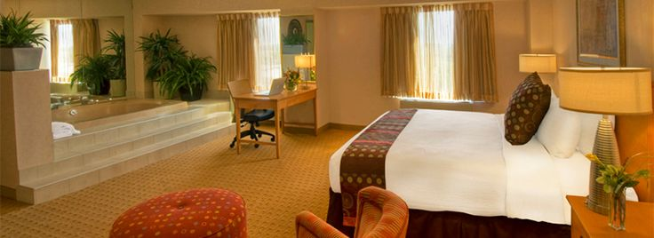 Have a relaxing stay at the Crowne Plaza Aire | Bloomington, MN