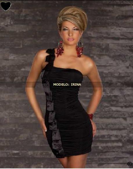 vestido corto negro muy elegante
