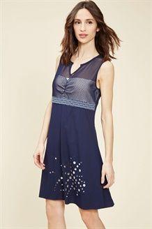Vestido de encaje<BR>Azul marino