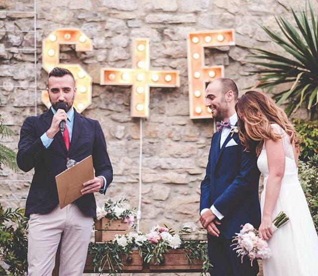 ¡Arranca la temporada de bodas! Y en @liebling_mc ya trabajamos afanosamente en fabricar una ceremonia personal y al detalle para cada una de nuestras parejas. El 'Sí, quiero' como tú quieras.  Foto de @f2studio para #labodadesandrayelmo / #sandrayelmosecasan  #maestrosdeceremonias #maestrodeceremonias #mc #emcee #weddingmc #bodas #bodasasturias #bodasnorte #bodas2016 #asturias #aviles #gijon #oviedo #norte #ceremonia #ceremony #weddingceremony
