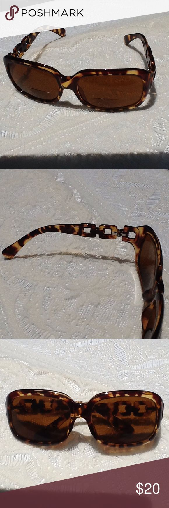 EYECUEYEWEAR  Bifocal Sunglasses 2.0 Bifocal 2.0 strength in very good condition.  Tortoise shell with attractive chain-like ear arms.  Great for reading outside! icueyewear Accessories Sunglasses