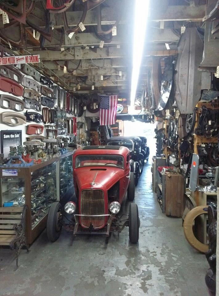 52 best ultimate man cave images on pinterest dream for Garage sn autos 42
