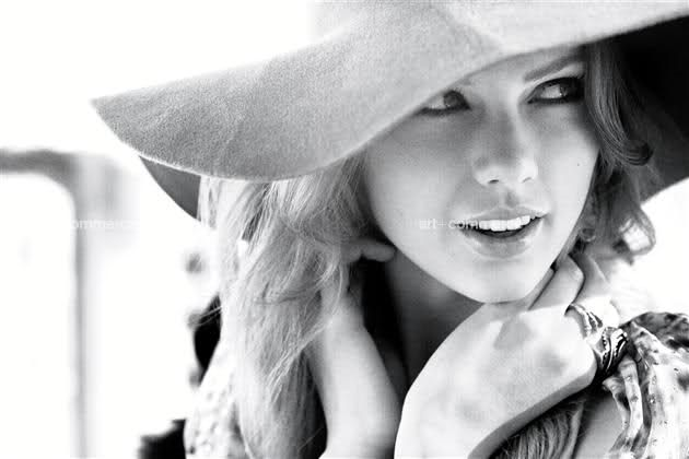 Taylor Swift. She is so lovely and classy!!!