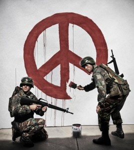 Banksy strooit ook met dit straatwerk weer met kritiek op de overheden. Meer soldaten betekent meer oorlog. Deze soldaten schilderen de gedacht van wereldvrede weg. Hij toont dit aan op een ludieke maar toch artistieke manier.