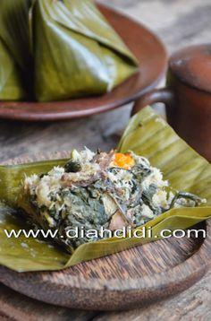 Diah Didi's Kitchen: Bothok Daun Singkong