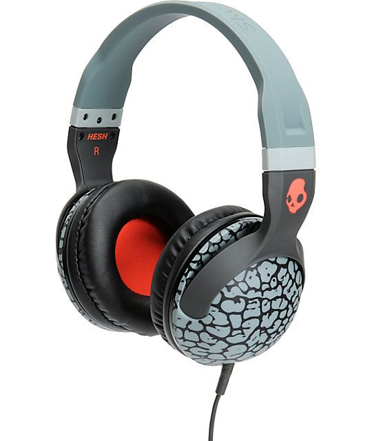 Skullcandy Hesh 2 is here to give you a boost of sound on your favorite songs. The grey elephant pattern frame with plush leather ear pillows give you a clean look along with ultimate comfort. These Supreme Sound headphones deliver awe inspiring bass natu