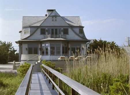 A classic shingle cottage in Southport, CT. Austin Patterson Disston Architects traditional (cedar shake shingle) exterior