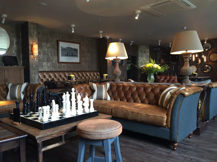 Cosy pub - anyone for chess?
