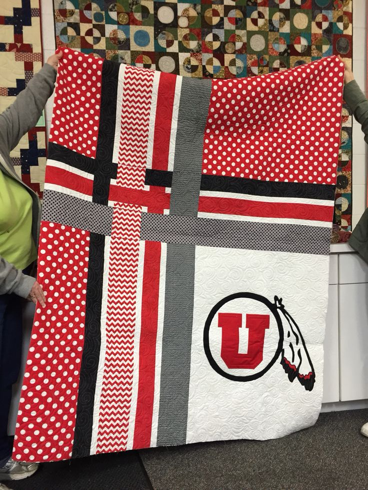 A great quilt to be made in your mans favorite footy team's colours. CF. University of Utah quilt v