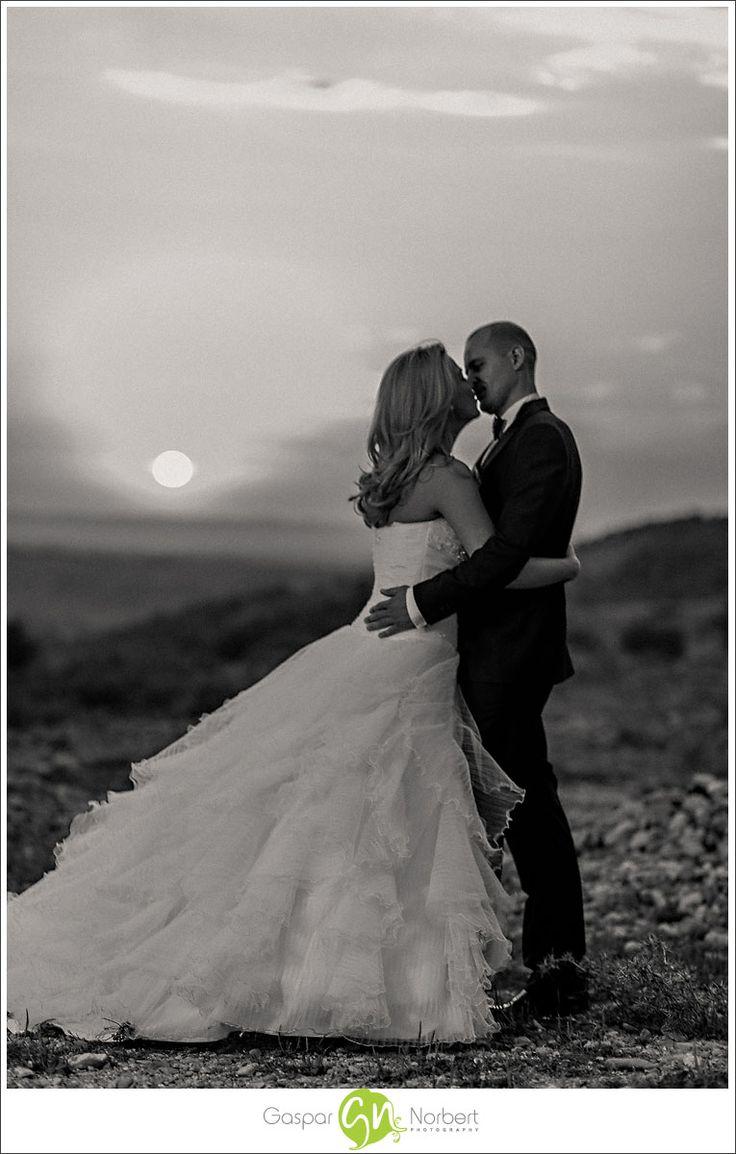 fotografie de nunta, foto nunta, oradea, fotograf, sedinta foto, poze de nunta, fotograf profesionist, sedinta foto dupa nunta, trash the dress, TTD, Gasparfoto, artistic, profesional, sedinta foto creativa, wedding, mireasa, after wedding
