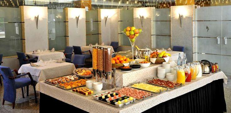 Resultat d'imatges de desayuno buffet hotel 5 estrellas
