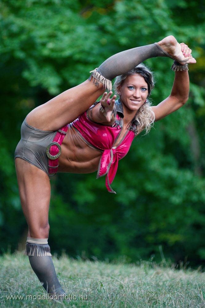 Flexible Babes 82