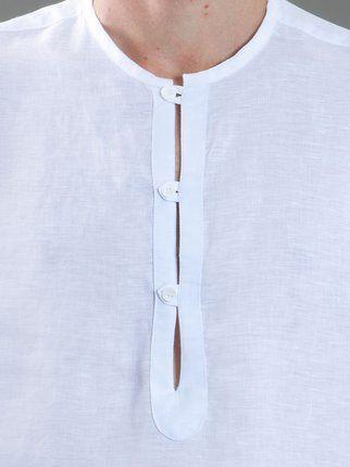 """Garoa Camisa branca em cambraia de linho modelo """"Bata""""."""