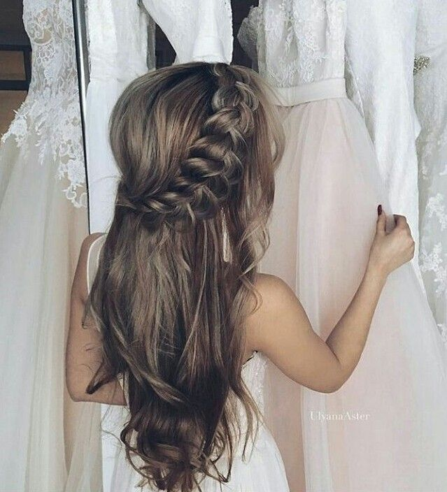 Love this hairstyle for a beach wedding!!!!