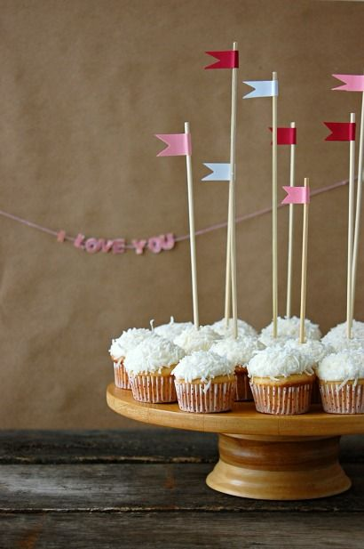 butterfly food: Flag Cupcake, Vanilla Cupcakes, Flags, Cupcake Recipe, Recipes, Cupcakes Xo, Valentine, Party Ideas