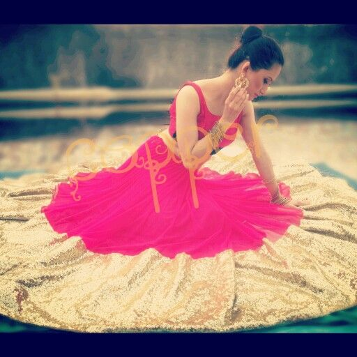 Hot pink lehenga #indianoutfit #partywear #copperstyle #desiwedding #sangeet #bollywoodstyle #fashioncopperstyle  Whtsapp :+917738177090