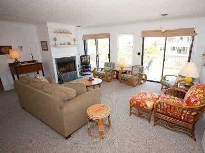 DOG FRIENDLY- $580- 4 bedrooms- Virginia Beach House Rental: 2352 Sandpiper Rd | HomeAway#calendar#calendar