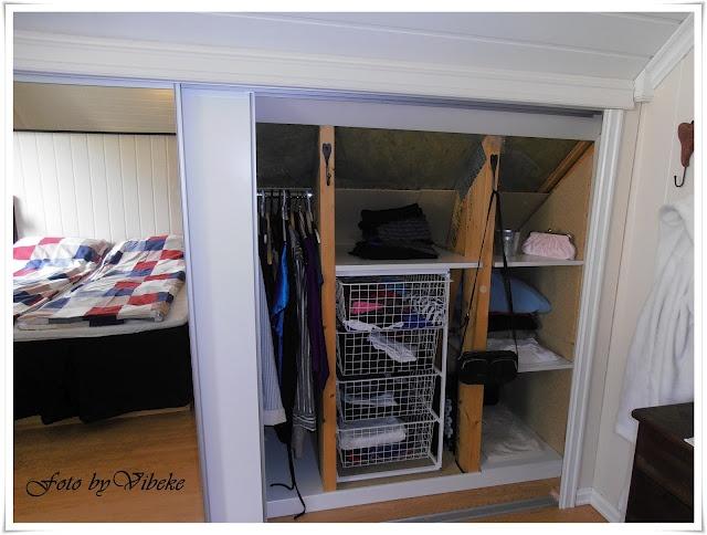 Et levende hjem: Garderobe under skråtak