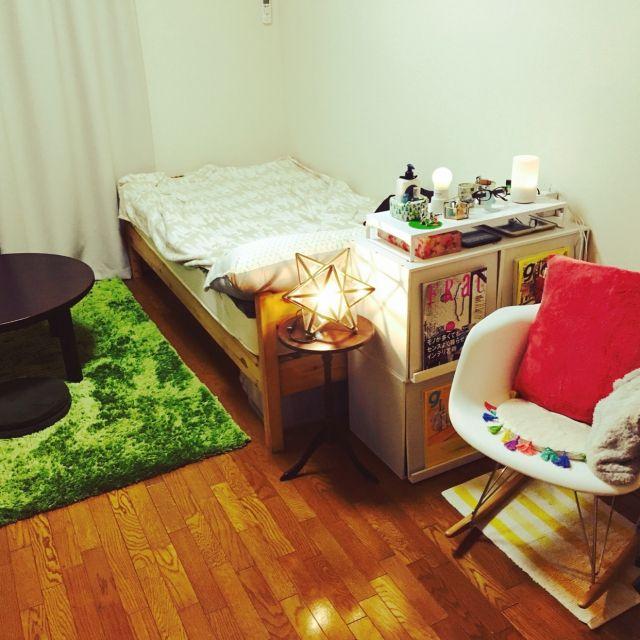 kikiさんの、部屋全体,無印良品,照明,ベッド,一人暮らし,ニトリ,salut!,こたつ,ビーカンパニー,ベッド周り,ロッキングチェアー,ディクラッセ,エトワールランプ,イームズチェアリプロダクト,ワンルーム 6畳,本当はモノトーンにしたい,のお部屋写真
