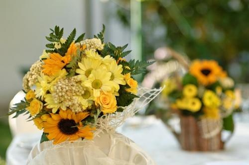 yellow july wedding: Yellow Flowers, Summer Wedding, Yellow Wedding, Yellow Inspiration, July Wedding, Yellow July, Ideas 3, Yellow Bouquets, Bridesmaid Bouquets