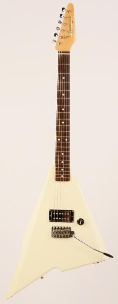 Up for sale is this Fender Squier Katana from 1985, having only been produced that year. The Katana was produced by Fender to compete with the more adventurous designs of the era after dealers complained the were losing customers to other brands. The Squier version we have here was made as a stri...