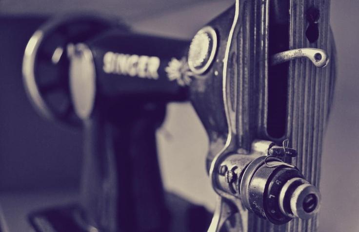 vintage sewing machine (casita)