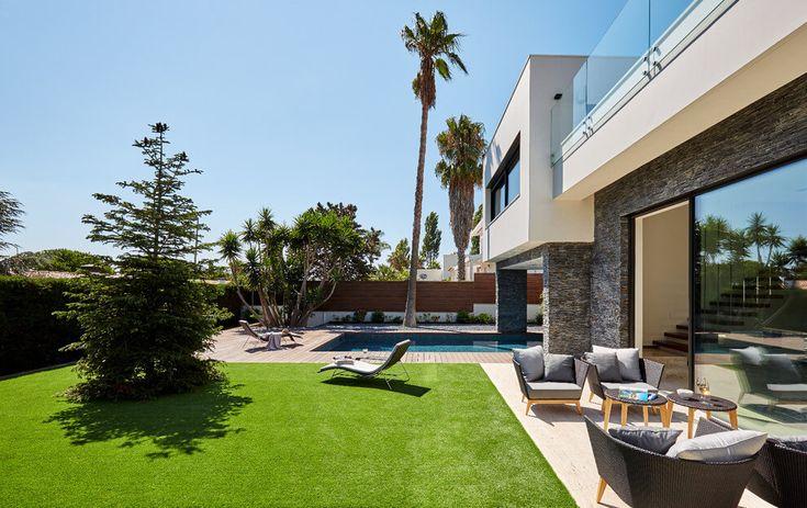 Superb House Carqueija Emphasizing Outdoor Living | Outdoor Living, House And  Search