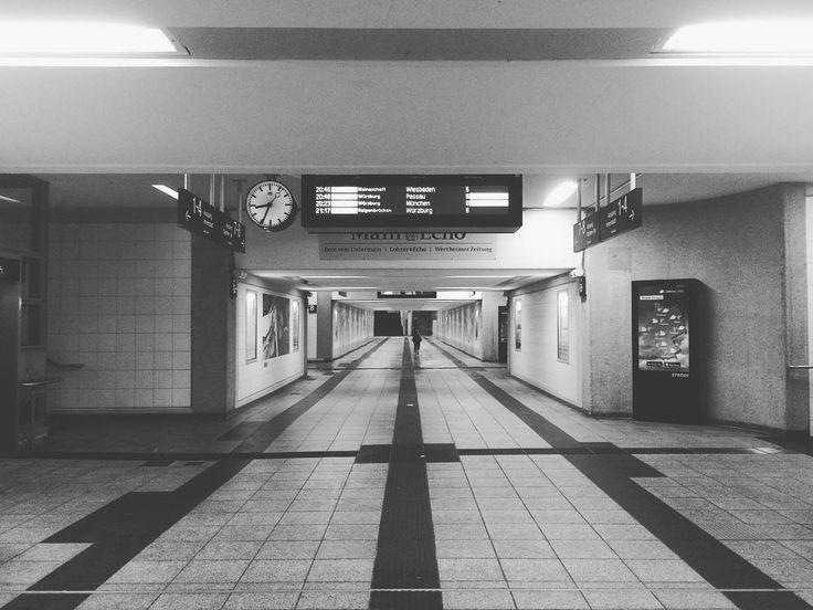 47/365 | 16.02.2017 whiskey-bar | 365.tobiashage.de |  #achisto365 #365photochallenge #365project #aschaffenburg #meinaschaffenburg #aschaffenburg_bilder #iphone #iphone5s #iphonephotooftheday #bahnhof #railway #deutschebahn
