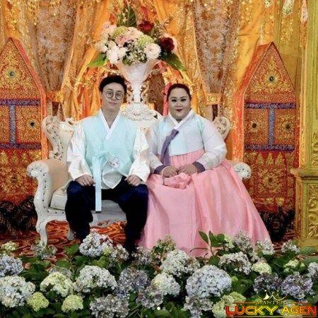 Pernikahan Gadis Asal Minang Dengan Pria Korea Ini Bikin Netizen Melongo | Adu Banteng Online