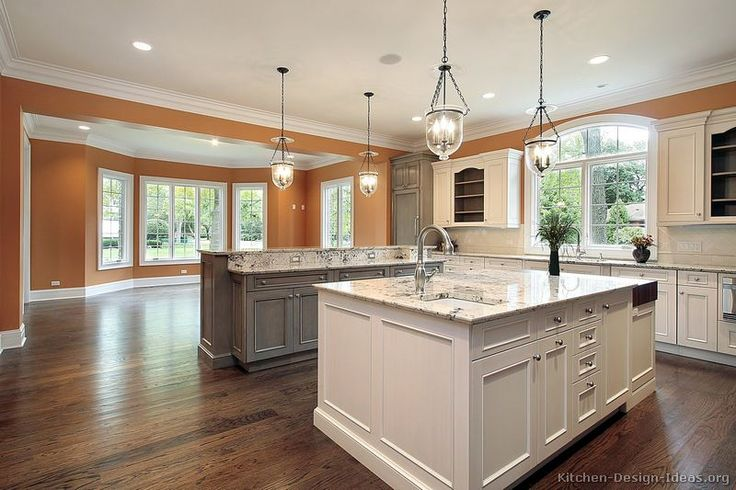 #Kitchen Idea of the Day: Expand your color palette with two-toned kitchens.