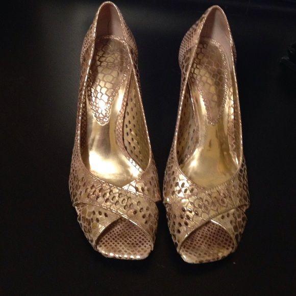 Luz da Lua Gold Bronze Heels Used Gold Bronze shoes made in Brazil - 2 inches heel. Luz da Lua Shoes Heels
