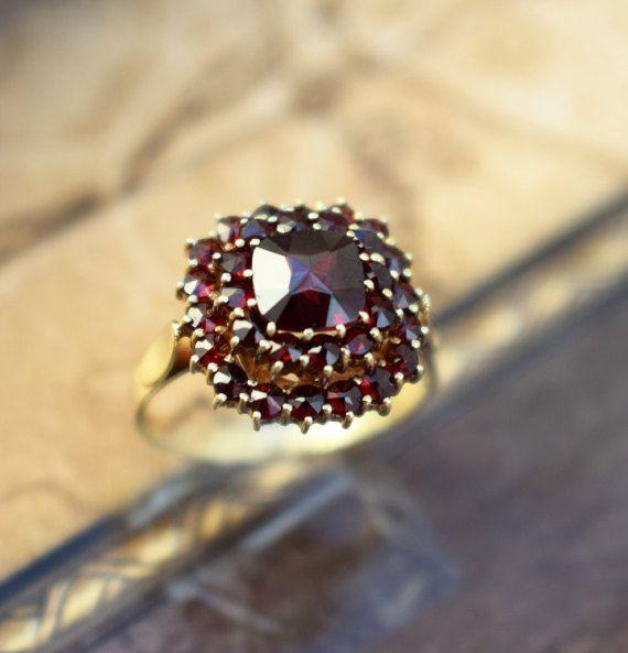 Vintage Square Garnet Ring Bohemian Garnet by PrettyDifferentShop