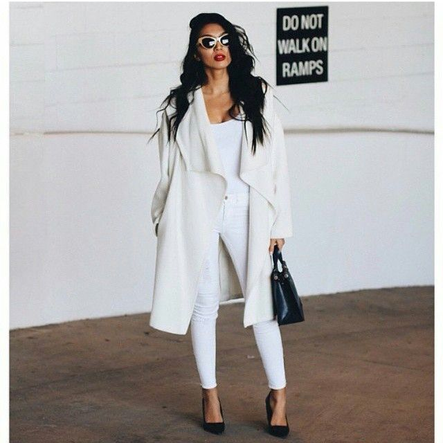 Fall & winter outfit - All white with black heels & purse