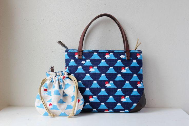Etsy のSmall bag with small kinchaku(Mt.Fuji)(ショップ名:withYu)