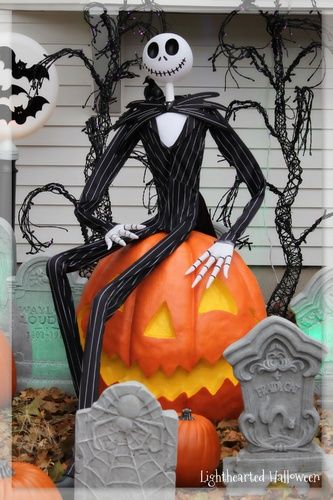 nightmare before christmas scene by halloween forum member hilda halloween yard displayshalloween decorationscamping decorationsdisney - Disney Halloween Decorations
