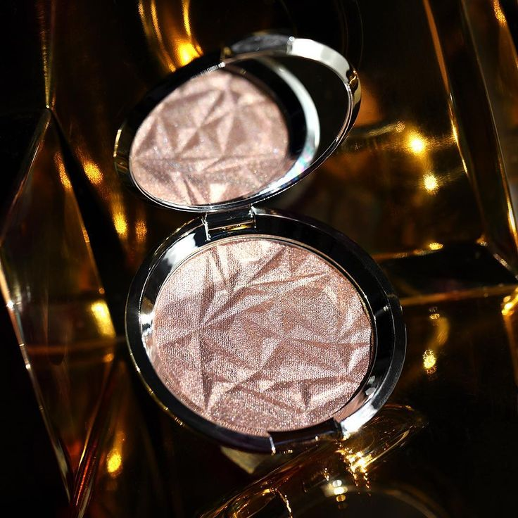 Our #BECCAHolidayGlow shimmers with our Pressed Highlighter in Smoky Quartz – a cool mauvy-rose infused with white gold pearls! Shop it now only at BECCACosmetics.com. #TeamSmokyQuartz