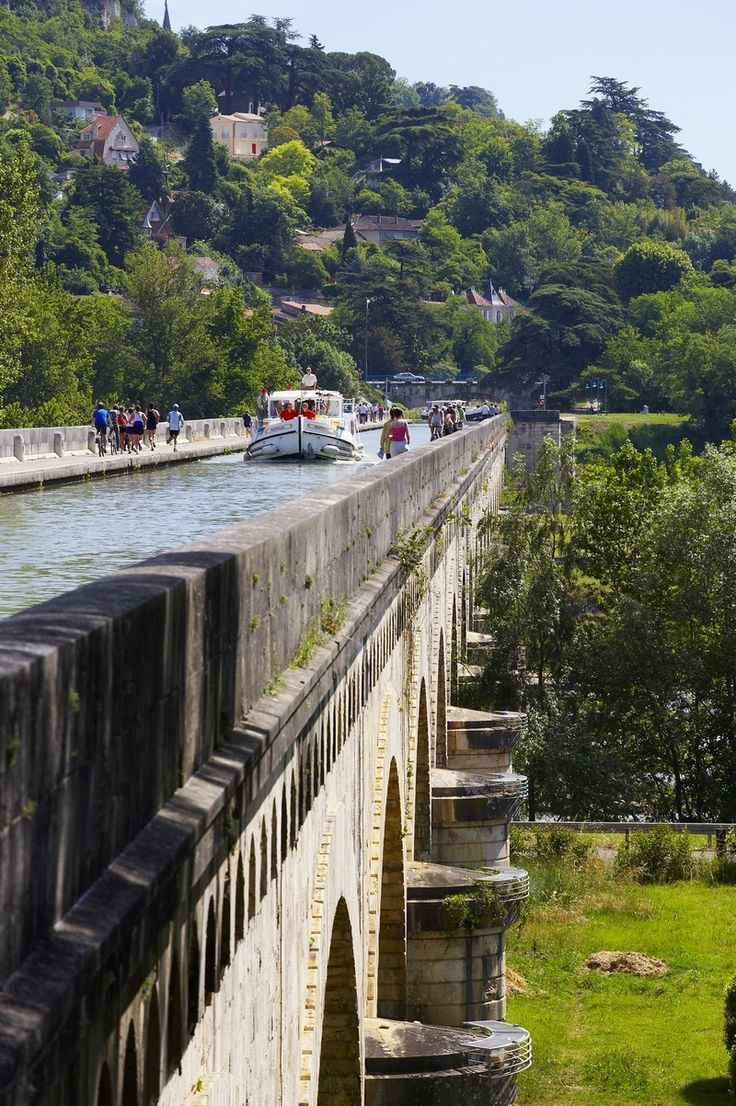 Barging holidays in France on River Baise Bridge by Moissac