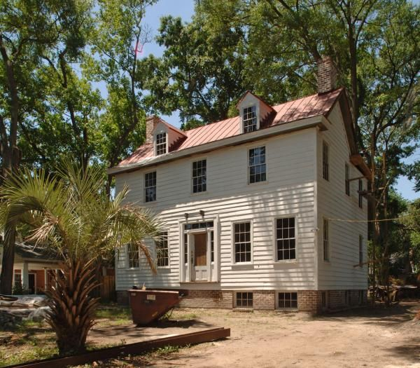 Lillibridge plantation house built in the early 19th for Southern built homes