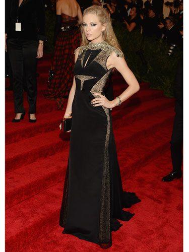 Taylor Swift at the #MetGala 2013