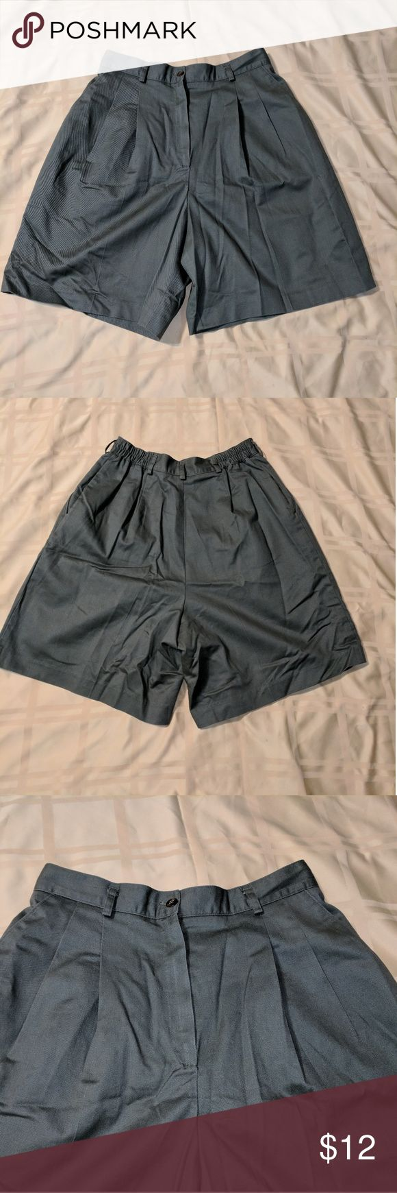 Ladies Allison Daley petite olive green shorts Allison Daley petite size 12 olive green colored shorts.  100% cotton has button and working zipper. Front pockets and belt loops. Comment with any questions Allison Daley Shorts Bermudas